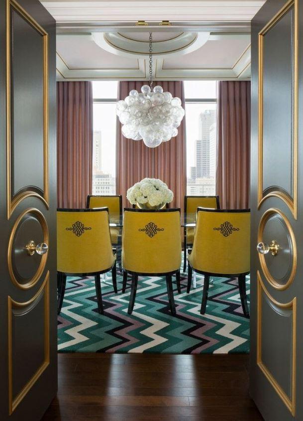 Правильный выбор дизайна и цвета штор в интерьере предполагает владение знаниями многих общих принципов по дизайну интерьеров и пространства.