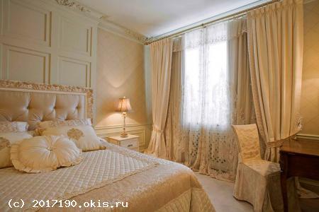 Шторы для спальни в светлых оттенках
